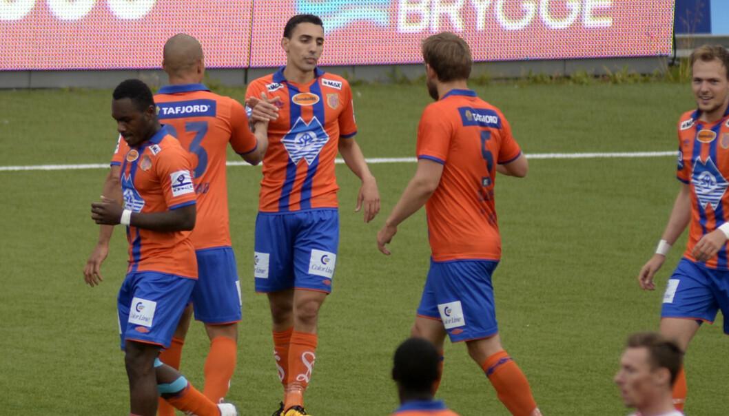 MATCHVVINNER: Aalesunds Mostafa Abdellaoue scoret  Aalesunds andre mål  i kampen Foto: Rune Stoltz Bertinussen / NTB scanpix