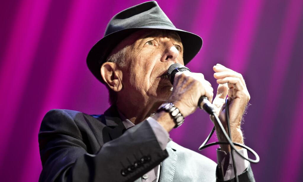 EN AV VERDENS STØRSTE ARTISTER: Leonard Cohen døde i natt. Her under en konsert i Oslo Spektrum i 2013. Foto: Terje Dokken/NTB Scanpix