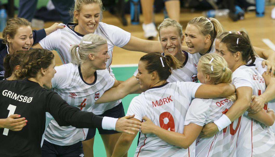 <strong>HERLIG GJENG:</strong> Heidi Løke er svært fornøyd med måten håndballjentene reiste seg på etter tapet mot Brasil lørdag. I kveld ble Spania slått i Rio de Janeiro. Foto: NTB Scanpix