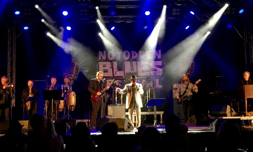 VETERAN: Wee Willie Walker med blant andre Kid Andersen (gitar) og Jim Pugh (orgel) på Notodden Blues Festival sist helg. Onsdag tar Walker med seg noen av musikerne til Buckleys i Oslo. Foto: Øyvind Rønning / Dagbladet