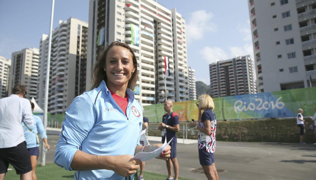 <strong>SPENT:</strong> Camilla Herrem før kampen mot topplaget Angola. Foto: Vidar Ruud / NTB scanpix