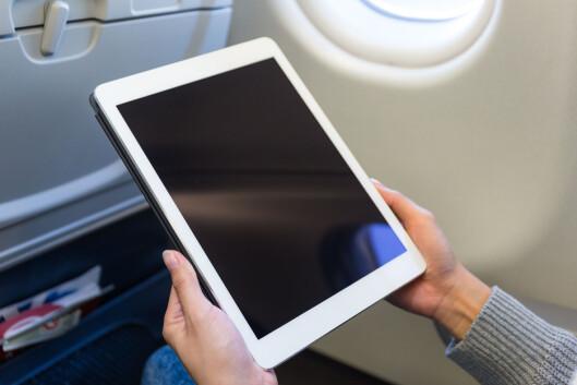 <strong><b>MANGE IPAD-ER:</strong></b> iPad og nettbrett er gjengangere blant det nordmenn glemmer på flyet. Foto: SHUTTERSTOCK/NTB SCANPIX
