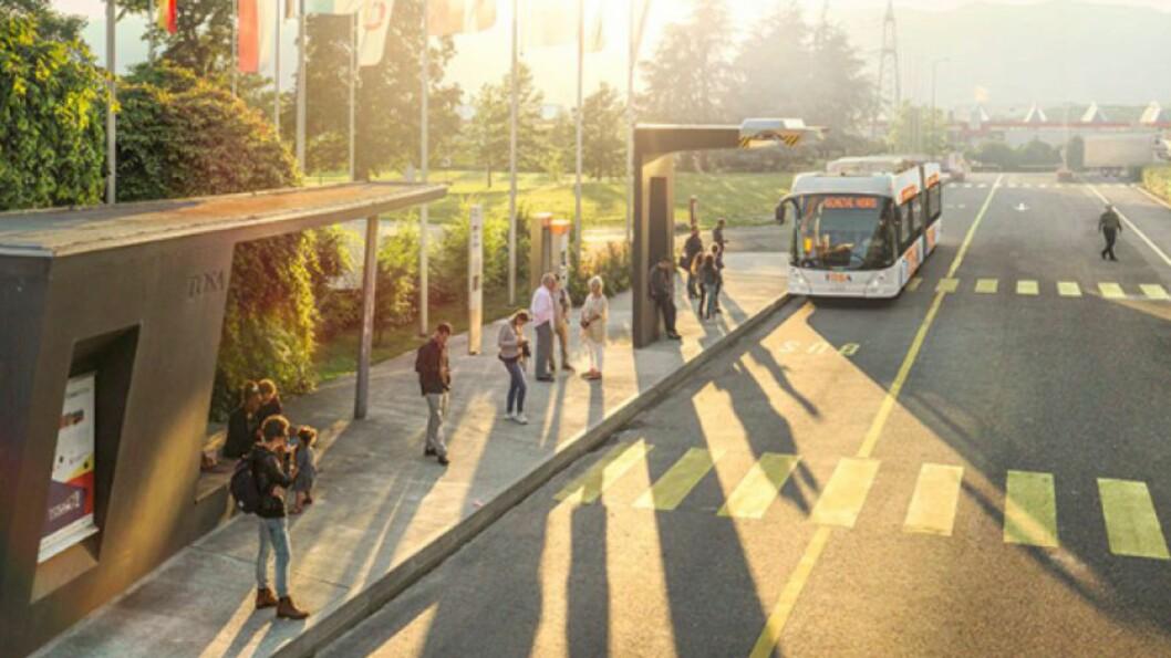 <strong><b>LADES:</strong></b> ABBs TOSA buss flashlades når den er innom holdeplassene. På 15 sekunder skal den lades nok til å komme seg til neste holdeplass.  Foto: ABB