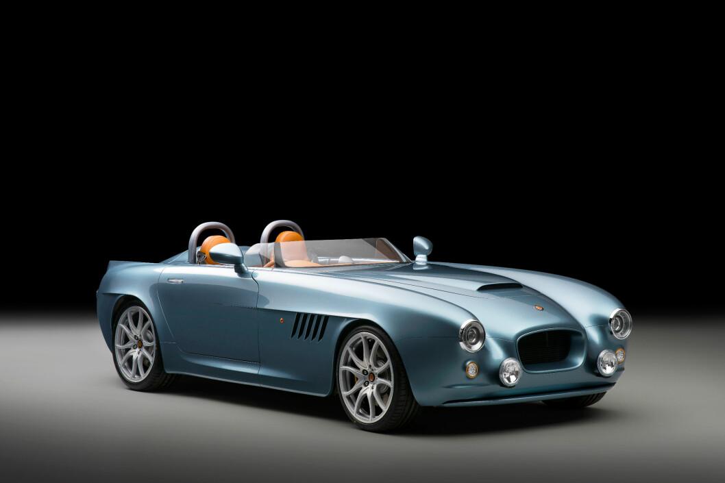 <strong><b>SPEEDSTER:</strong></b> Produktbildet viser en bil som er en tydelig referanse til hurtiggående roadstere fra 50 - 60-tallet. Foto: BRISTOL