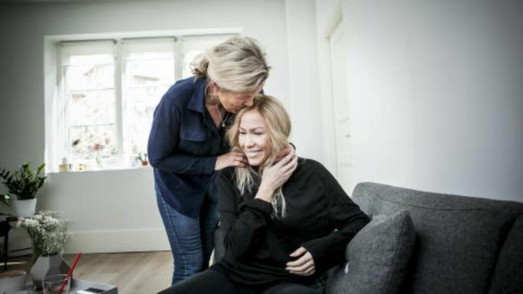 <strong> MED MOR:</strong>  Moren Tove Steen bor sammen med Thea og søsteren i perioder. Foto: Foto: Christian Roth Christensen / Dagbladet