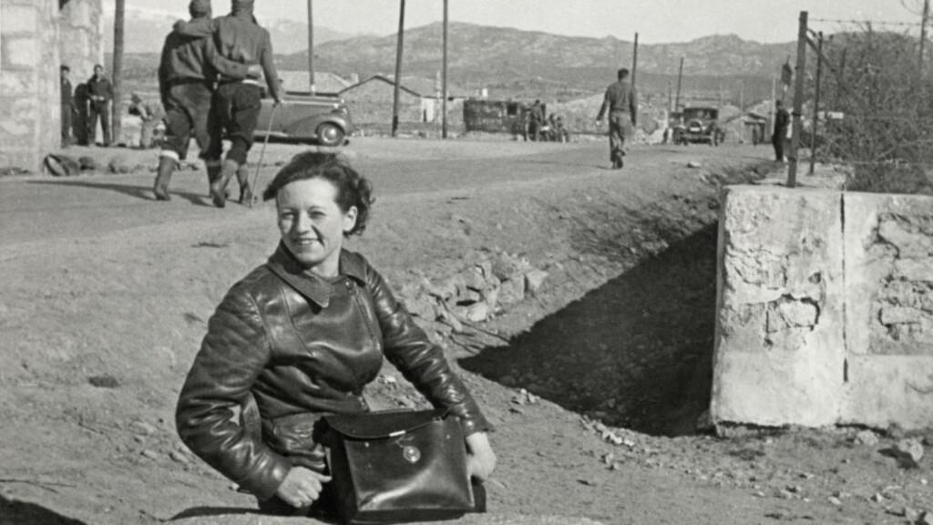 VED FRONTEN: Gerda Grepp fotografert i fjellene ovenfor Málaga i 1937.