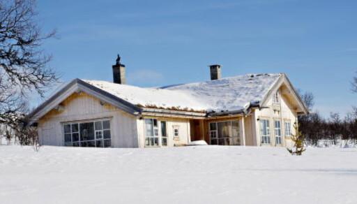 PRIVAT: Kronprinsparets hytte i Uvdal ligger med strålende utsikt mot Hardangervidda. Kronprinsparet kjøpte to tomter her i 2007 for 3,5 millioner kroner og bygde deretter hytte.. Foto: Anita Arntzen/Dagbladet