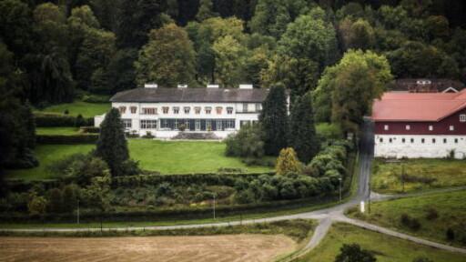 PRIVAT: Skaugum gård i Asker eies av kronprinsen og har over 15 bygninger på totalt 1200 mål eiendom. Hoffet bidrar med løpende vedlikehold på eiendommene. Foto: Lars Eivind Bones/Dagbladet