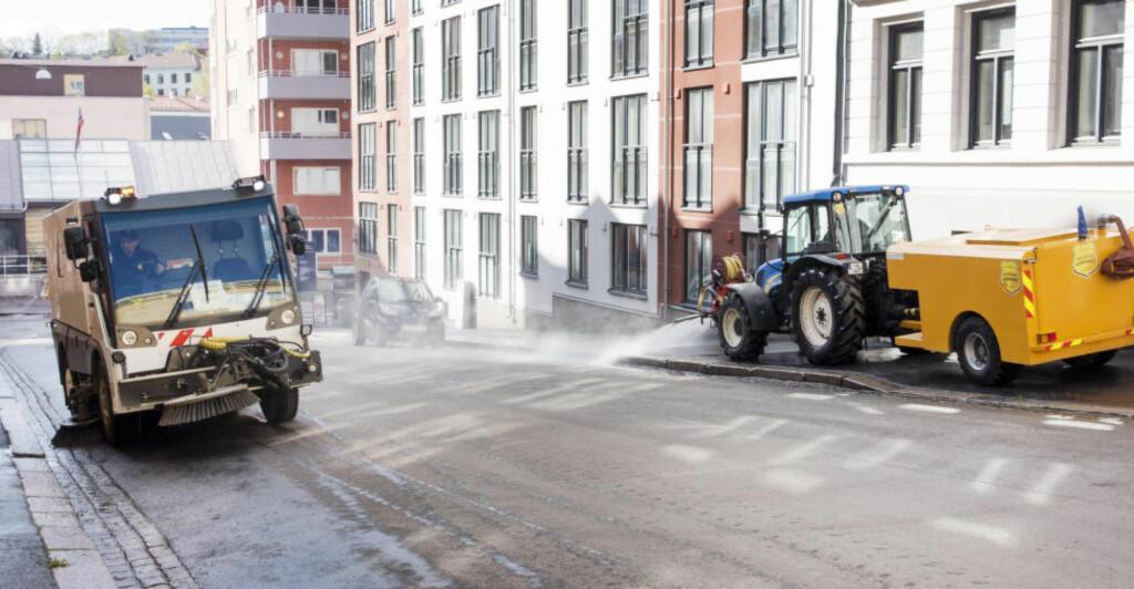 VÅR: Spyling og gatevask i Oslo. Foto: Gorm Kallestad / NTB scanpix