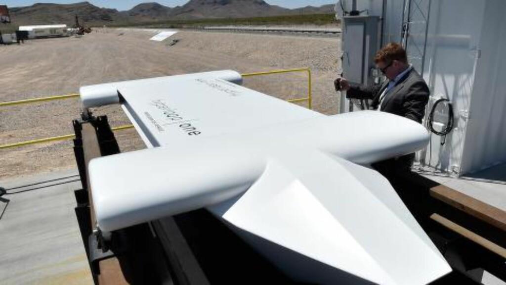 TEST-SLEDE: Selskapet testet onsdag denne prototypen av Hyperloop-vogna. Foto: David Becker/Getty Images/AFP/NTB Scanpix