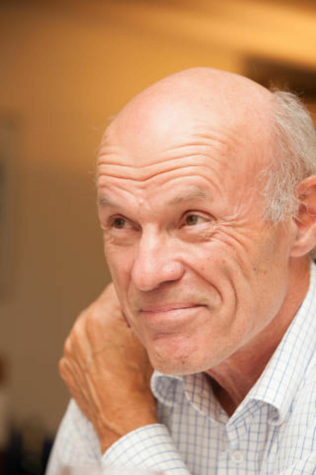 SENSURERT: Arvid Ystad har fortalt om frimurernes opptaksritualer i sin bok. Det blir ikke tatt godt opp. Foto: Erik Bergersen / Pax forlag