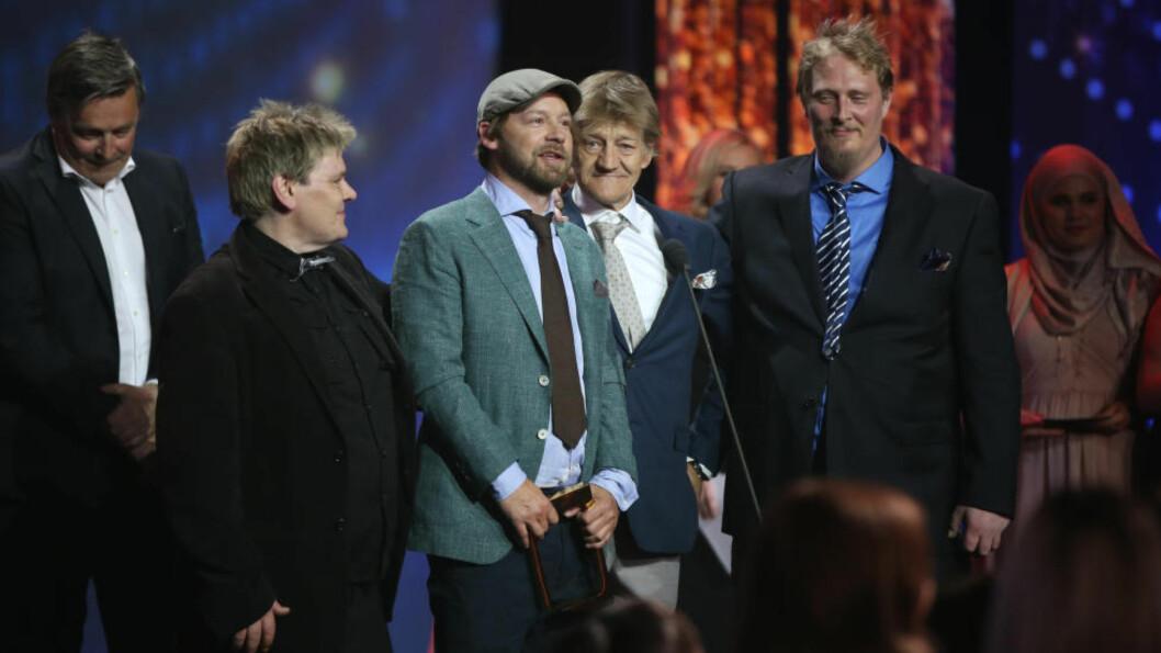 <strong>PRISVINNERE:</strong> Seersuksessen «Petter Uteligger» vant kveldens første Gullruten-pris, for Årets beste dokumentarserie. Foto: NTB Scanpix