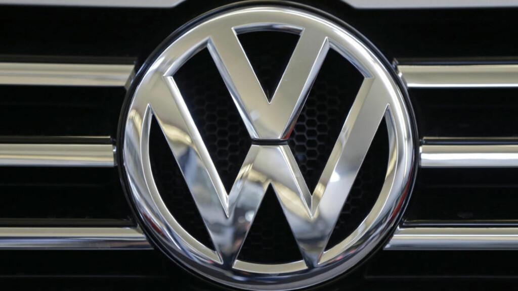 SKANDALE: Volkswagen blir nå saksøkt av Statens Pensjonsfond Utland - Oljefondet. Det som følge av den enorme utslippsjuksingen som ble avslørt i fjor høst. Foto:  AP Photo/Gene J. Puskar