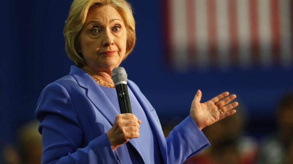 NERVØSE: Flere demokrater frykter hvordan den svært direkte Donald Trump kan komme til å utnytte Hillary Clintons svakheter når de høyst sannsynlig møtes som motkandidater i presidentvalger. Foto: Retuers / NTB Scanpix