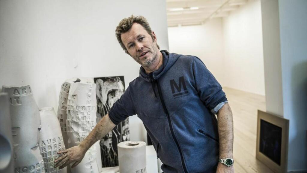 KOBLER AV: Dagbladet møtte A-ha-musiker og kunstner Magne Furuholmen i atelieret i Asker. Foto: LARS EIVIND BONES / DAGBLADET
