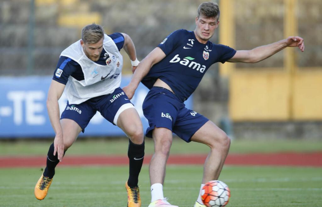 FRAMTIDIG SPISSKJEMPE:  Alexander Sørloth kan få sin første landskamp mot Portugal. Her er han med Niklas Gunnarsson. Foto: Terje Pedersen / NTB scanpix