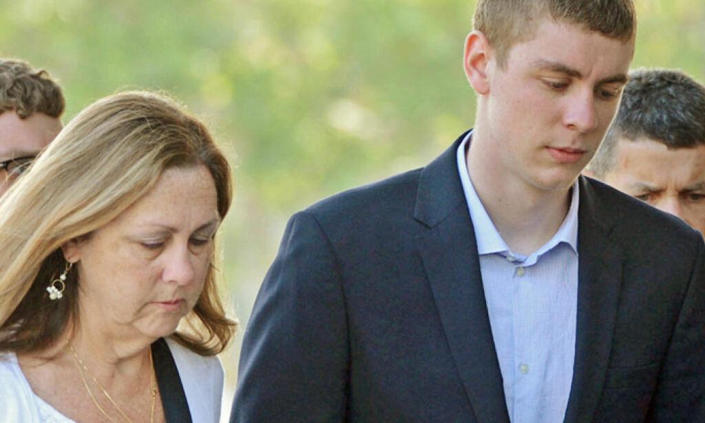 image: Tidligere voldtektsanklaget raser over Stanford-overgriperens dom