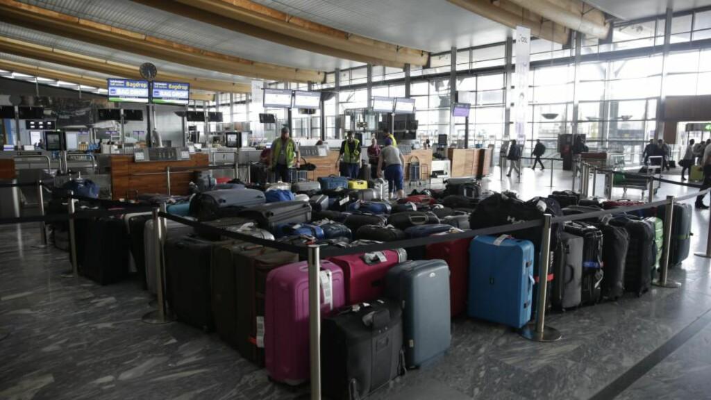 KAN STENGES:  Her et bilde av kø på lufthavna tidligere denne måneden. Foto: Håkon Mosvold Larsen / NTB scanpix