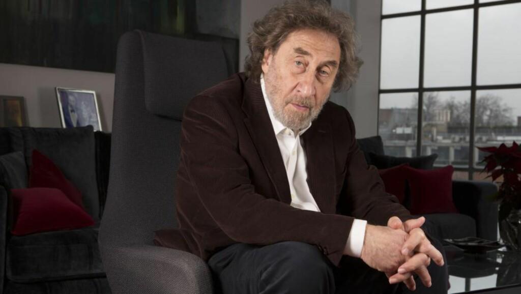 OPPTATT AV TEMATIKKEN: Den britiske forfatteren Howard Jacobson er selv jøde, og har brukt sin forfatterkarriere på å bore i problematikken, blant annet i Booker-prisvinneren «Finklerspørsmålet» (2011). Foto: NTB SCANPIX