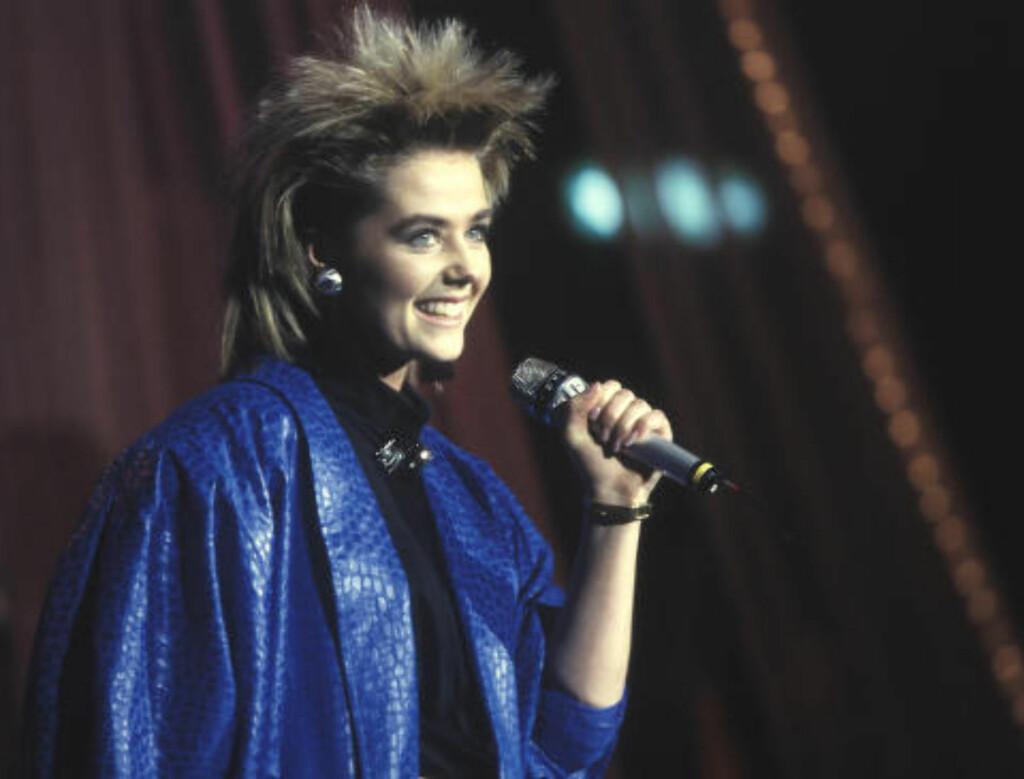 DEN GANG DA: Kate Gulbrandsen stakk av med seieren i den norske Melodi Grand Prix-finalen i 1987 med melodien «Mitt Liv» av Rolf Løvland. Foto: Odd Steinar Tøllefsen / NTB Scanpix