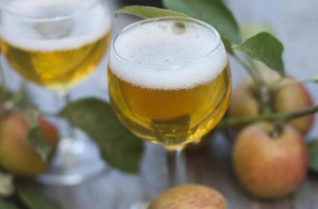 FEM PROSENT: Rusbrus har ingen klar definisjon bortsett fra at det er en alkoholholdig drikk, som vanligvis holder rundt fem prosent alkohol. Foto: NTB/Scanpix