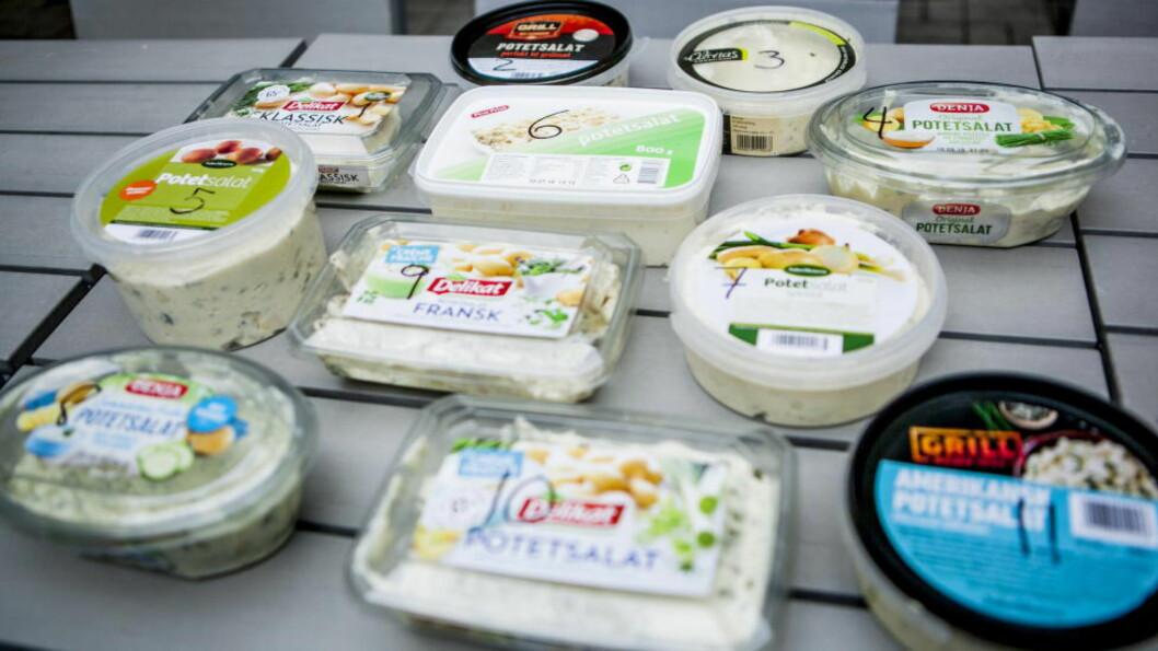 """<strong>PÅ TESTBENKEN:</strong> Vi har smakt oss gjennom elleve ulike """"hvite"""" potetsalater. Vår favoritt var nummer åtte. Foto: CHRISTIAN ROTH CHRISTENSEN"""