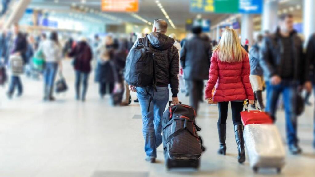 LIVSVIKTIG: En medisinliste, hvor medisinene du bruker er beskrevet med virkestoff og dose, kan redde deg om du skulle miste bagasjen, bli sittende fast i utlandet eller om du skulle bli akutt syk. Foto: www.BillionPhotos.com