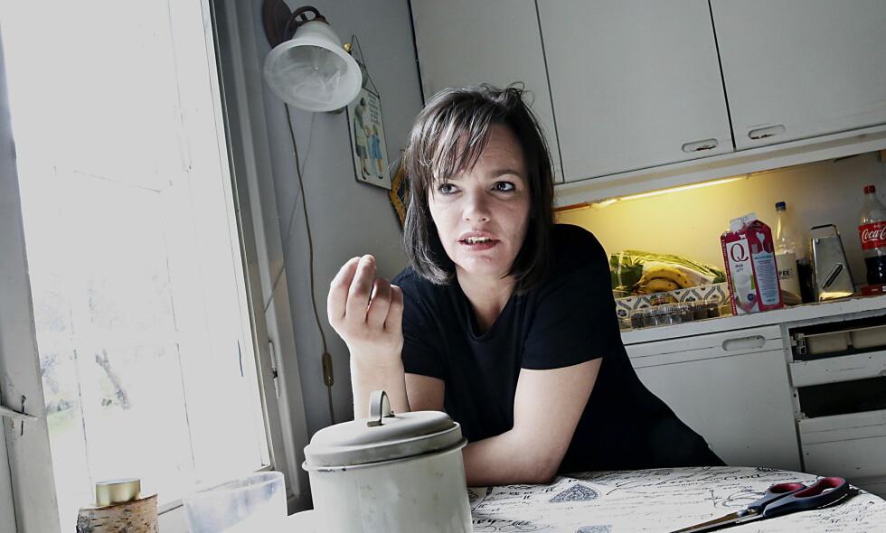 ÅPEN OG ÆRLIG. Skuespiller Julie Winge skriver om livet som alkoholiker. Foto: Jacques Hvistendahl / Dagbladet