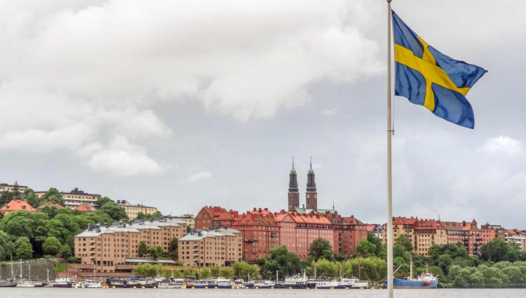 <strong>RÅDYRE:</strong> I dag senket den svenske sentralbanken renta enda en gang - nå til minus 0,5 prosent. Nabolandet vårt her verdens laveste rente, men en rekke økonomer frykter en svensk boligboble. Boligprisene i Stockholm har steget med rundt 20 prosent i året. Foto: Scanpix