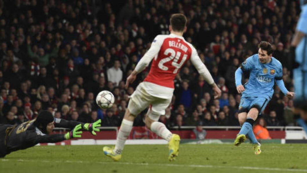 <strong>1-0:</strong> Lionel Messi sender bortelaget i ledelsen. Foto: Reuters / Toby Melville / NTB Scanpix