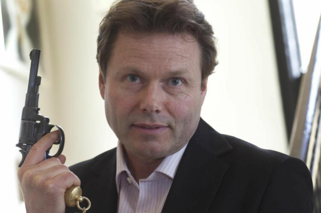 PRISBELØNT: I 2013 fikk forfatteren Torkil Damhaug Rivertonklubbens prestisjefylte pris Den gylne revolver for romanen «Ildmannen». Foto: Morten Holm /  SCANPIX
