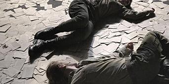 image: Tilskueren pepres med inntrykk i Det Norske Teatrets «Andre verdskrigen - Natt i verda»