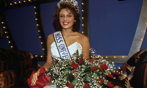 MISS UNIVERSE: I 1990 ble vakre Mona Grudt kåret til Miss Universe. Foto: NTB / Scanpix.