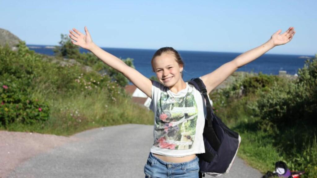 DØDE AV KVELNINGSLEK: Annie Vårin Unneberg (14) fra Høvik døde av leken «choking game» i 2013. Den livsfarlige leken spres blant barn og unge gjennom sosiale medier, særlig Youtube der det ligger hundretusenvis av videoer av barn som får seg selv og andre til å besvime. Foto: Privat