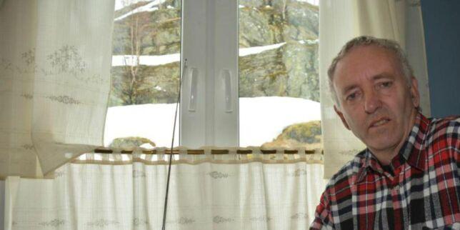image: DAB-krigen: Neste år kan ikke Kåre Lundal lenger høre radio. Han er ikke alene