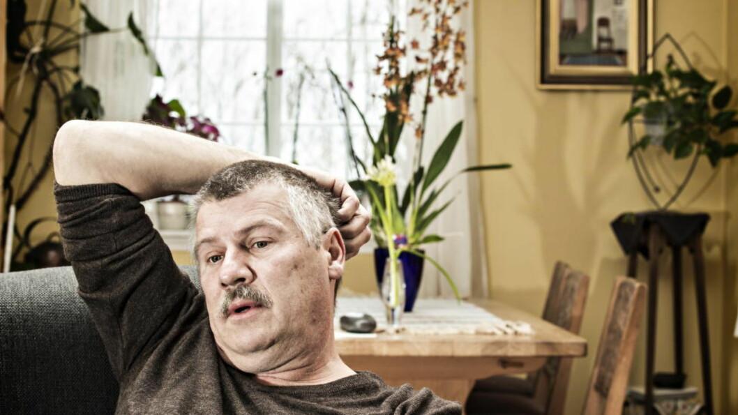 <strong>FEIL DIAGNOSE:</strong> -  Jeg fikk diagnose demens! I England bekreftet professoren at jeg slett ikke var demens, men hadde en alvorlig nakkeskade, forteller Anders Petersson. Foto: HANS ARNE VEDLOG