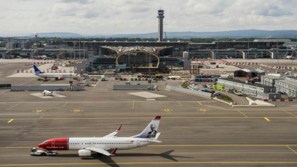 REISER MER: Nordmenn reiser mer enn før, og har blitt mer reisevante. Det fører også til at nordmenn klager mer til reisearrangørene, flyselskapene og klagenemndene. Foto: FREDRIK VARFJELL / NTB SCANPIX