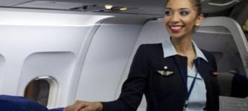 Flyvertinnene raste etter å ha blitt beordret til å bruke hijab. Nå snur selskapet