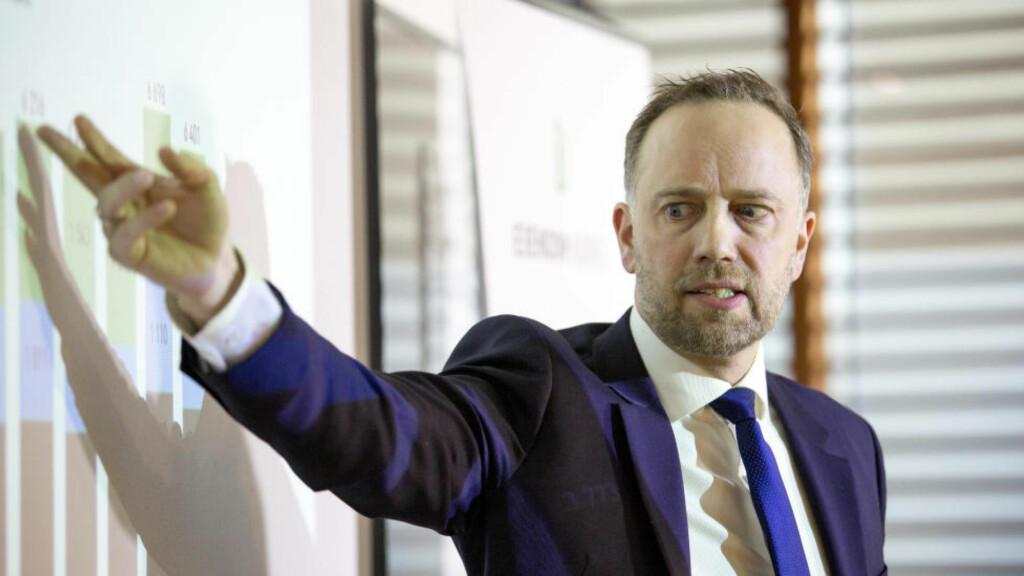 BOLIG: Christian V. Dreyer i Eiendom Norge legger frem boligprisstatistikken for mars 2016. Foto: Torstein Bøe / NTB scanpix