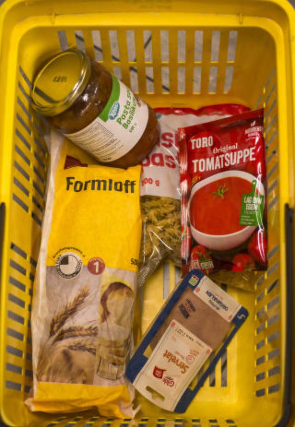 75 KRONER: Dersom beboere i asylmottak bruker 100 prosent av inntekta på mat, kan de få råd til dette. Nordmenn bruker i gjennomsnitt til sammenlikning 10 prosent av inntekta på mat. Foto: Ådne Husby Sandnes