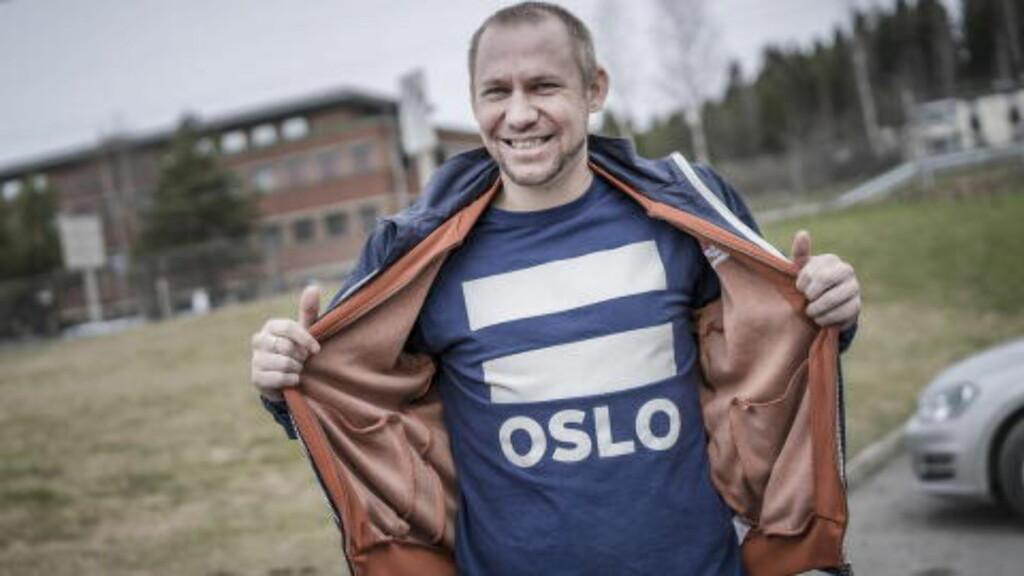 SLIPPER NY MUSIKK: Kenneth Engebretsen møtte Dagbladet på Haugenstua i Oslo. Videoen til forrige singel «Elefanten i rommet» ble gjort i samarbeid med gatemagasinet = Oslo. Foto: Øistein Norum Monsen / Dagbladet