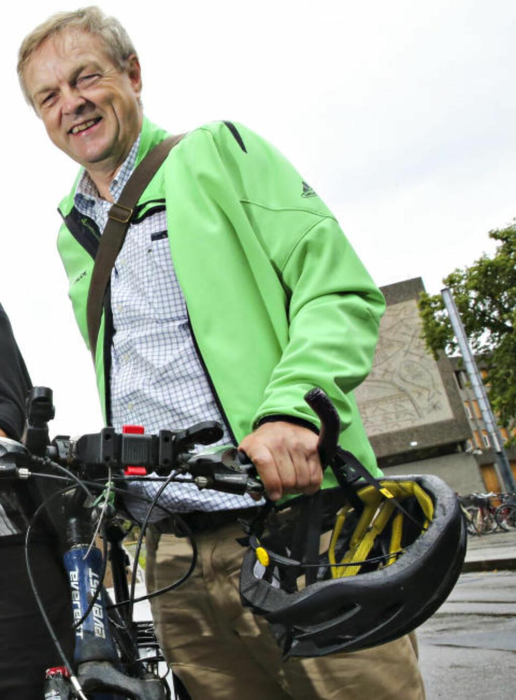 REAGERER: Jusprofessor og sykkelentusiast Olav Torvund. Foto: Ørn E. Borgen / Aftenposten