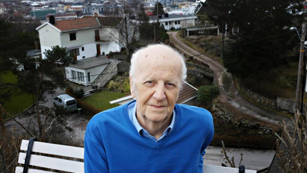 STORSLÅTT JUBILANT: Øystein Lønn (80) er ute med ny, interessant roman, femti år etter at han debuterte novellesamlingen «Prosesjonen» i 1966.  Foto: Frerdrik Wandrup / Dagbladet
