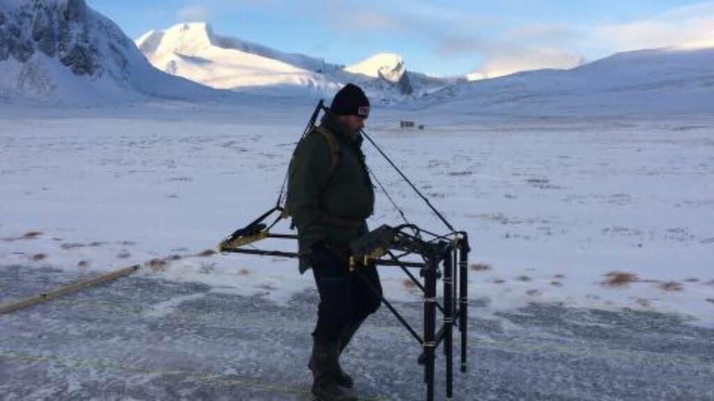 MAGNETOMETER: Forsvarsbygg har investert i et magnetometer, men det skal bare brukes på veger og i vegkanter. Foto: Frank Robert Pettersen/Forsvarsbygg