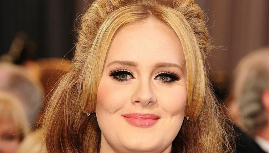 TABBE: En platebutikk i London la hele Adeles nye album ut gratis på nett, flere dager før lanseringa fredag. Foto: NTB Scanpix