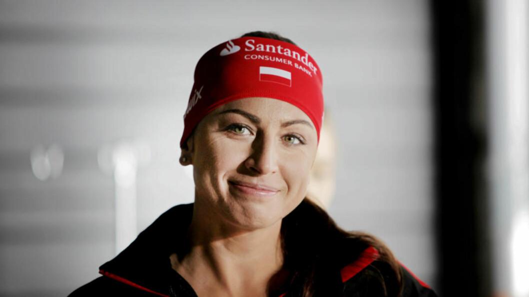 FORBILDET: I Norge kan inntrykket av Justyna Kowalcszyk være at hun er sur og tverr. Hjemme i Polen er hun megastor. Et forbilde som engasjerer seg i samfunnsdebatten og som gjør det hun kan for å være en god hjelper. Foto: Tormod Brenna