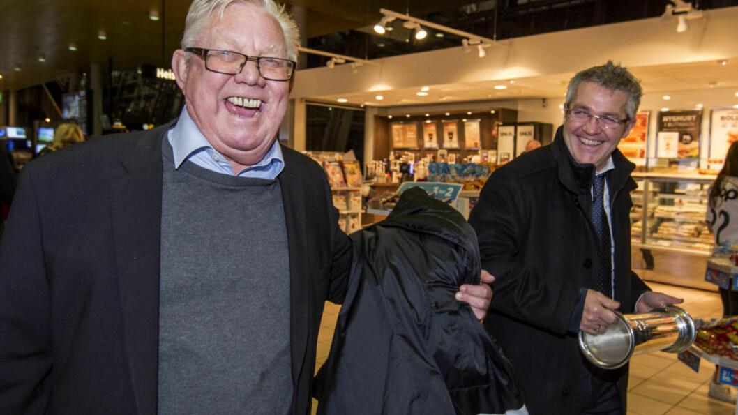 <strong>PÅ VÆRNES:</strong> Nils Arne Eggen og Kåre Ingebrigtsen slo av en prat før de skilte lag søndag kveld. Foto: Ned Alley / NTB scanpix