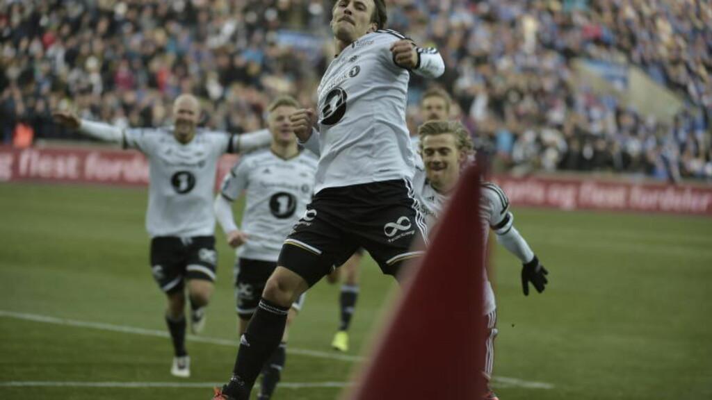 FULL KONTROLL: Rosenborg og målscorer Mike Jensen kan juble etter seier 2-0 mot Sarpsborg i cupfinalen på Ullevaal stadion. Foto: Hans Arne Vedlog