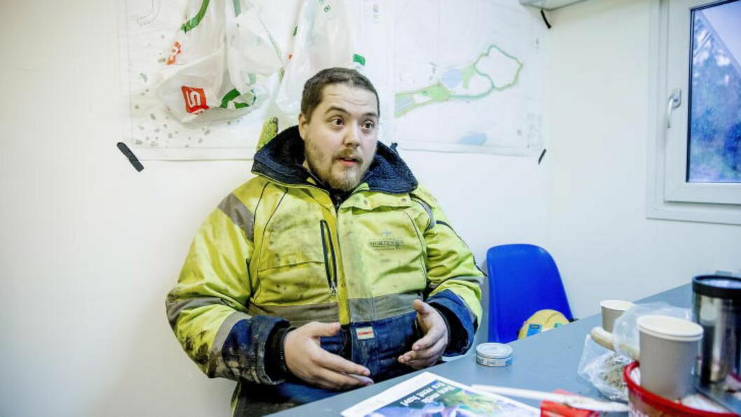 <strong>- TØFT:</strong> Kim Terje M. Tollefsen innrømmer at han synes det var vanskelig å få beskjeden om at han ikke lenger fikk lov til å kjøre lastebil. - Jeg savner det veldig, sier 23-åringen. Foto: Bjørn Langsem / Dagbladet  .
