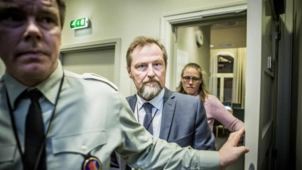 KREVET LUKKEDE DØRER: Kommandørkaptein Odd-Stein Sundling Melsæter på vei inn til høring. Foto: Christian Roth Christensen / Dagbladet